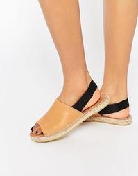 Туфли-эспадрильи с ремешком через пятку Selected Femme - Коньячный