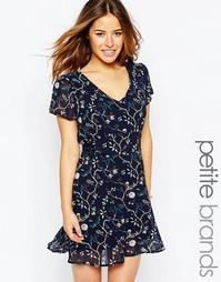 Короткое приталенное платье с цветочным принтом Yumi Petite