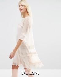Шифоновое платье с рюшами Needle & Thread - Розовый лепесток