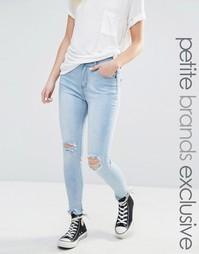 Супероблегающие мраморные джинсы с прорехами Liquor & Poker Petite