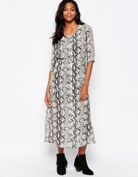 Платье макси с принтом змеиной кожи Goldie Karley - Серый