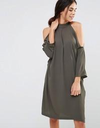 Платье с рукавами 3/4 и открытыми плечами Liquorish - Хаки