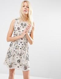 Платье для выпускного с отделкой в виде бабочек Needle & Thread