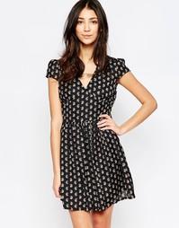 Приталенное платье Yumi - Черный