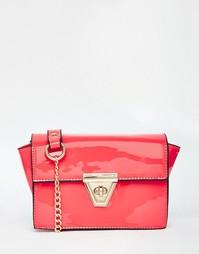 Лакированная сумка с ремешком-цепочкой на плечо Liquorish - Розовый