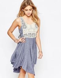 Синее платье мини с нагрудной вставкой с вышивкой Hazel - Деним