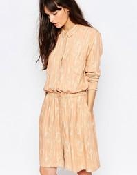 Платье-рубашка персикового цвета с принтом Just Female Lumina