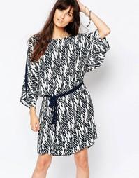 Платье с рукавами-кимоно и принтом икат Just Female - Мульти
