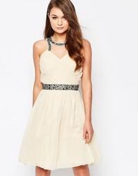 Короткое приталенное платье с высоким воротом и украшениями Little Mis