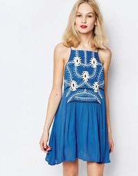 Короткое приталенное платье с цветочной вышивкой Piper Sumatra