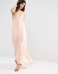 Платье макси с вышитыми стрелками Flynn Skye - Blush cluster