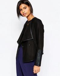 Приталенная куртка с полиуретановой отделкой на рукавах Vero Moda