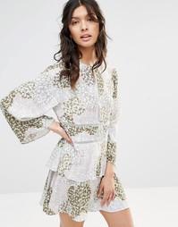 Ярусное платье с принтом Stevie May - Мульти