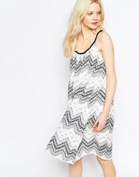 Свободное платье с зигзагообразным принтом b.Young - Asphalt