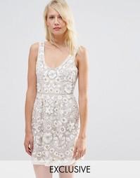 Платье для выпускного с вышивкой Needle & Thread - Rose beige