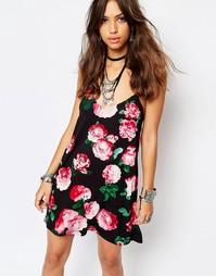 Короткое приталенное платье с винтажным цветочным принтом Motel Selina