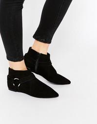 Ботинки с заостренным носком и отделкой ASOS APPLE - Черный