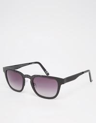 Квадратные солнцезащитные очки с оправой из черного металла с перфорац Asos