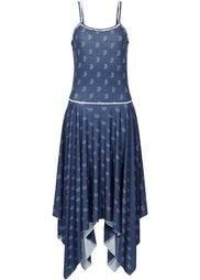 Трикотажное платье с удлиненными боковыми краями (белый с рисунком) Bonprix