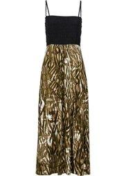 Платье в стиле бандо (темно-лиловый с рисунком) Bonprix