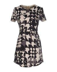 Короткое платье Strenesse