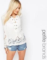 Белая рубашка с завязкой Vero Moda Petite - Белый