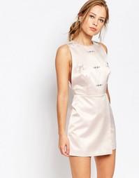 Цельнокройное платье с декоративной отделкой Keepsake - Shell
