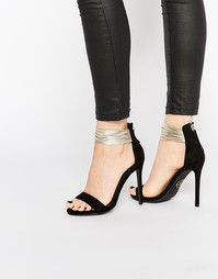 Открытые сандалии с ремешками металлик на щиколотке Missguided