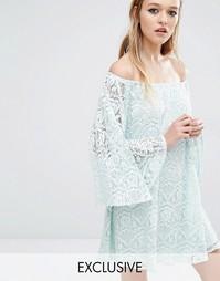 Кружевное платье с открытыми плечами Reclaimed Vintage - Мятный
