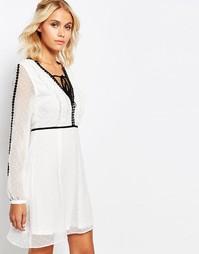 Платье с V-образным вырезом, прозрачными рукавами и контрастным кантом Fashion Union