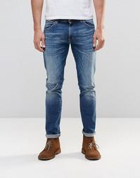 Темные джинсы слим с потертостями Wrangler Larston - Shipwrecked