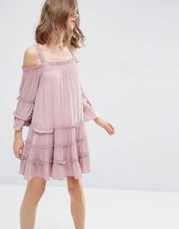 Сарафан с ярусным дизайном и открытыми плечами ASOS - Розовый