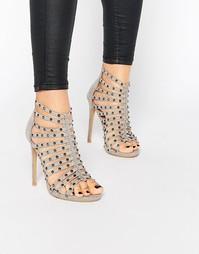 Серые сандалии на каблуке с заклепками Glamorous - Grey micro suede