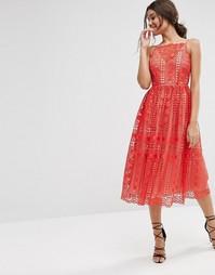 Кружевное платье миди с геометрическим узором ASOS Premium - Красный
