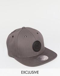 6-панельная кепка Mitchell & Ness эксклюзивно для ASOS - Серый