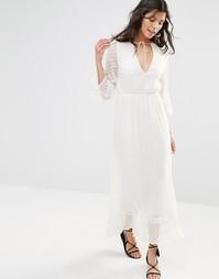 Фактурное платье макси с длинными рукавами Stevie May - Белый