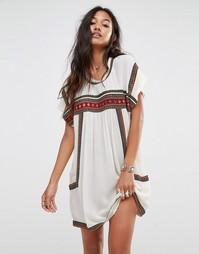 Платье с присборенной юбкой Glamorous - Кремовый