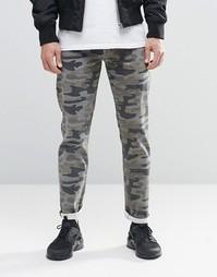 Стретчевые камуфляжные джинсы слим ASOS - Хаки
