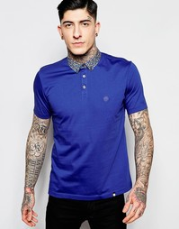 Темно-синяя футболка-поло с цветочным принтом на воротнике Pretty Gree