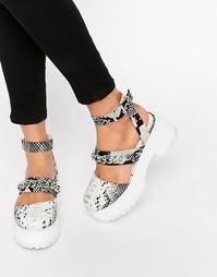 Массивные сандалии с цепочкой ASOS ON CLOUD NINE - Snake
