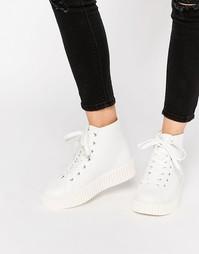 Высокие кроссовки на платформе Truffle Collection - White pu