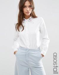 Рубашка с завязкой‑бантом и вышивкой на воротнике ASOS TALL - Белый