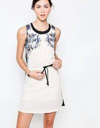 Платье с принтом и завязками на талии Jasmine - Кремовый