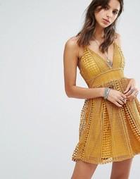 Короткое приталенное кружевное платье Missguided - Оранжевый