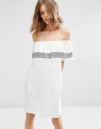 Платье с отделкой кисточками First & I - Белый