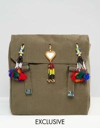 Рюкзак с помпонами и кисточкой Reclaimed Vintage - Зеленый
