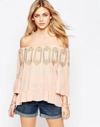 Блузка с вышивкой у горловины Hazel - Blush