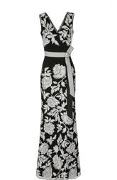 Приталенное платье в пол с цветочной вышивкой и поясом Tadashi Shoji