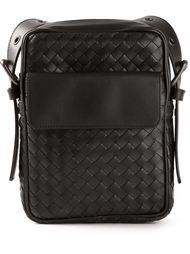 маленькая плетёная сумка-почтальон Bottega Veneta