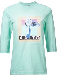 топ с принтом-логотипом Aalto